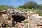 המערה שכנראה בה הסתיר פילון את הפצועים